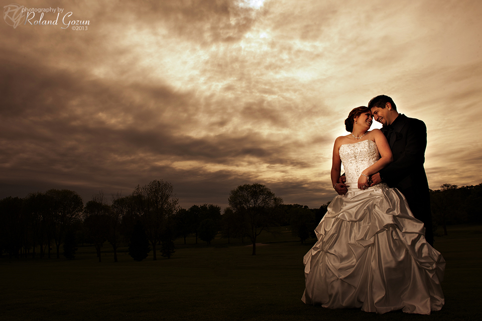 Bride and groom at Bonnie Brook Golf Course
